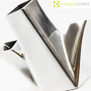Alessi, vaso in metallo Trinava piccolo, Hani Rashid (6)