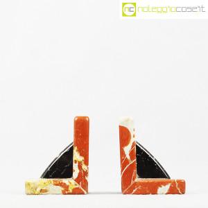 Reggilibri in marmo rosso e nero (2)