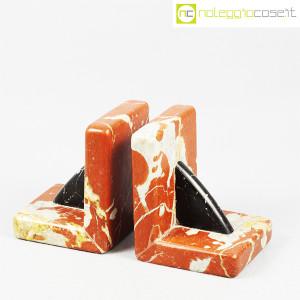 Reggilibri in marmo rosso e nero (3)