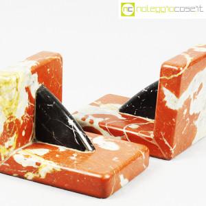 Reggilibri in marmo rosso e nero (6)