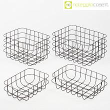 Cestini neri in rete metallica