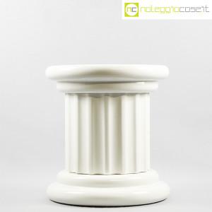 Colonna bassa in ceramica bianca (2)