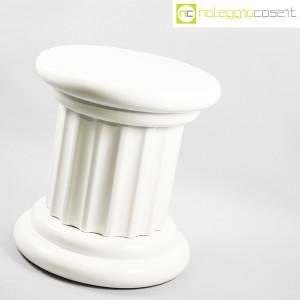 Colonna bassa in ceramica bianca (3)