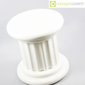 Colonna bassa in ceramica bianca (4)