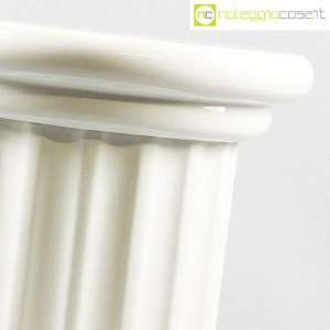 Colonna bassa in ceramica bianca (6)