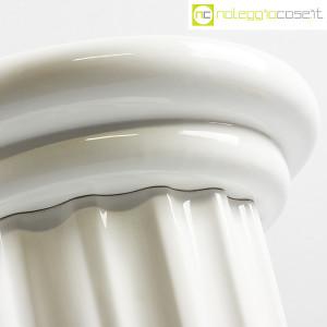 Colonna bassa in ceramica bianca (7)