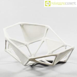 Centrotavola imperfetto in gesso grigio chiarissimo (1)