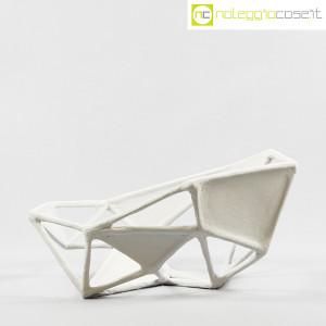 Centrotavola imperfetto in gesso grigio chiarissimo (2)