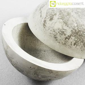 Scultura in cemento a doppia semisfera (8)