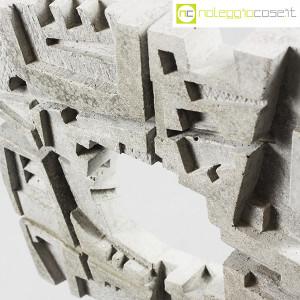Scultura brutalista in cemento (4)