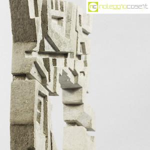 Scultura brutalista in cemento (9)