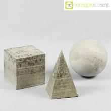 Solidi regolari in cemento grigio