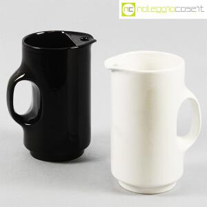 Gabbianelli, brocca bianca e nera, Studio OPI (1)