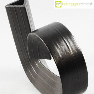 Tasca Ceramiche, vaso mod. Cornovaso nero, Alessio Tasca (6)