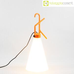 Flos, lampada May Day arancione, Konstantin Grcic (2)