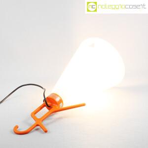 Flos, lampada May Day arancione, Konstantin Grcic (6)
