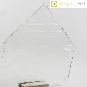 Pompeo Pianezzola, Piramide lastra in vetro con base (6)