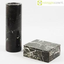Vaso e scatola in marmo nero
