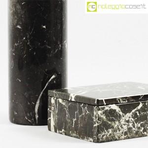 Vaso e scatola in marmo nero (6)