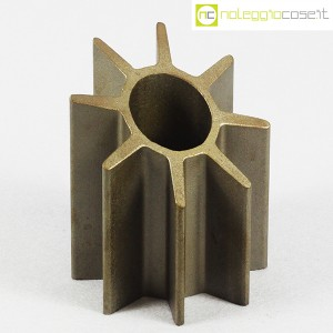 Oggetto (portapenne) in acciaio (1)