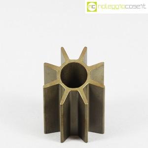 Oggetto (portapenne) in acciaio (2)